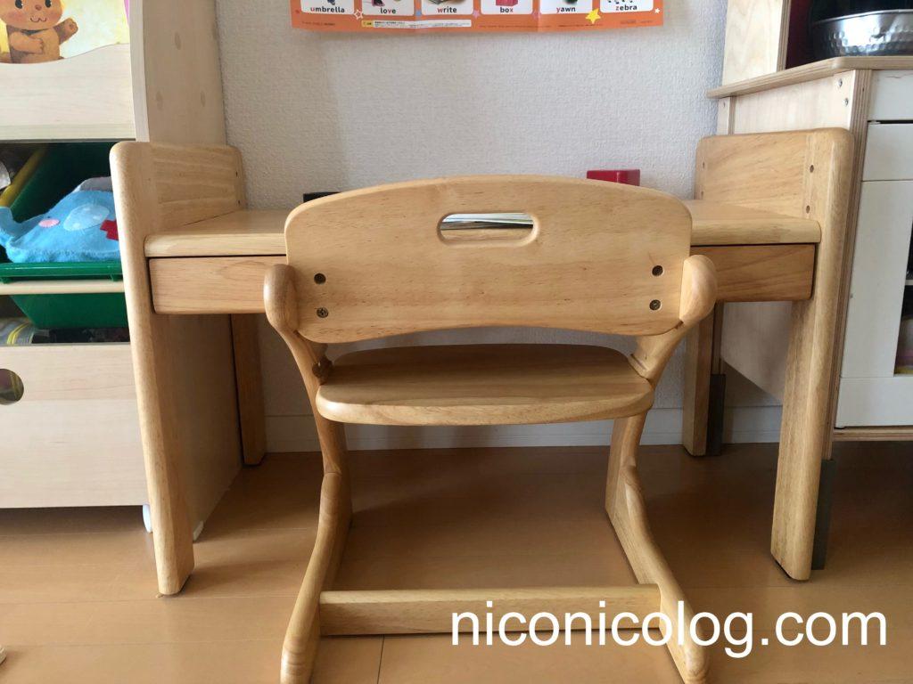 2歳の時に購入した机と椅子のセット